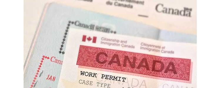 Permiso de trabajo canadiense y pasaporte mexicano