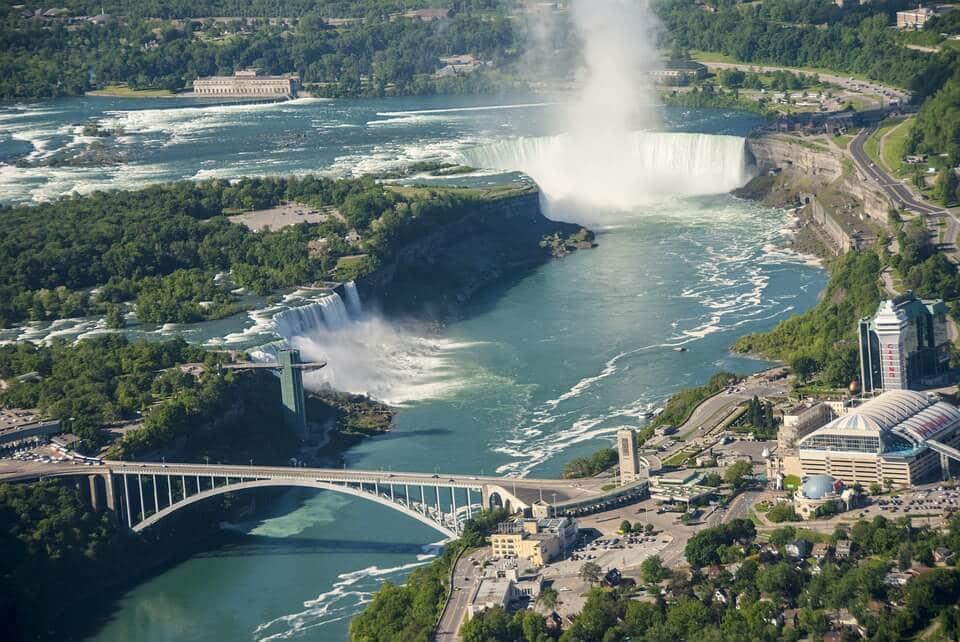 Cataratas del Niagara desde el alto